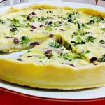 Quiche de brócolis e queijo