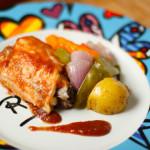 Frango com legumes ao forno e chutney de tomate