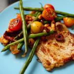 Bisteca e legumes grelhados