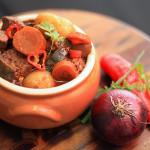Minha receita de carne de panela com legumes e um protesto/esclarecimento