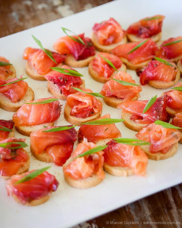 gravlax de salmão