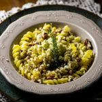 Massa com gorgonzola e pecãs