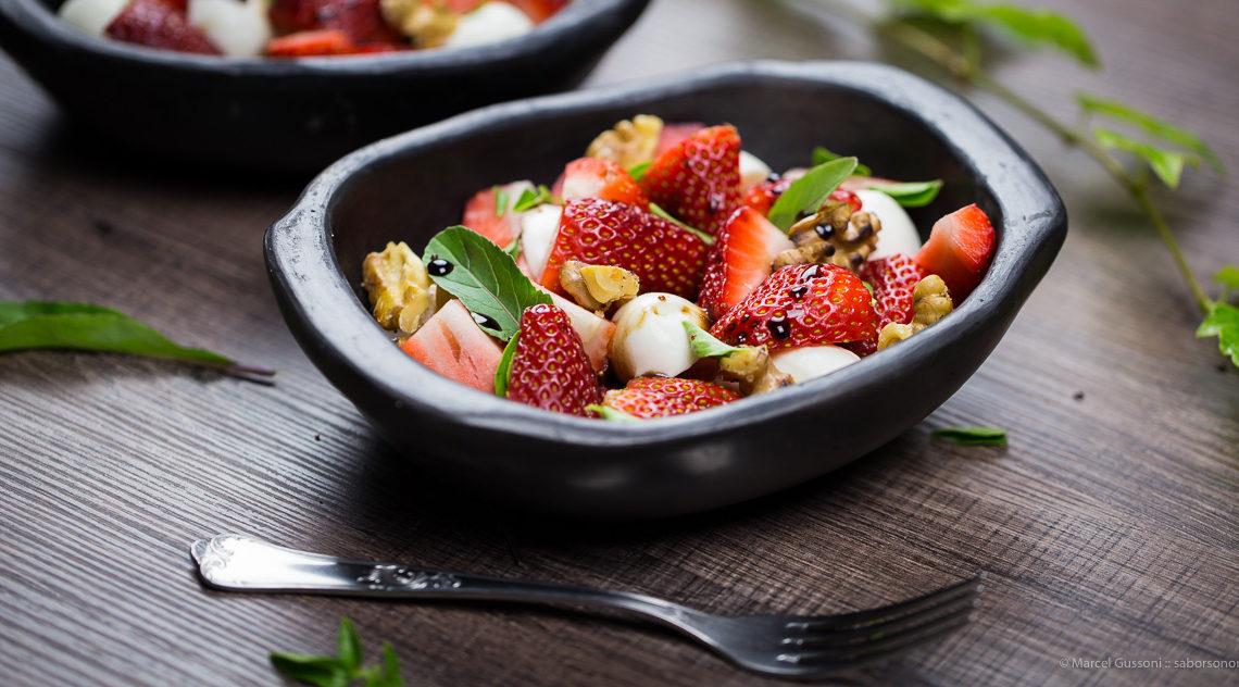 Salada Caprese de Morango
