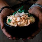 Arroz cremoso com curry, coco e castanha