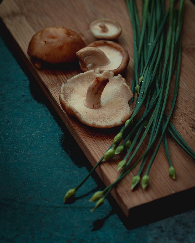 Abóbora assada e recheada com couscous e cogumelos - Receita